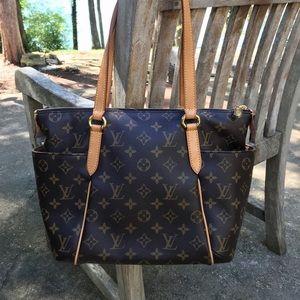 Louis Vuitton Totally PM Bag